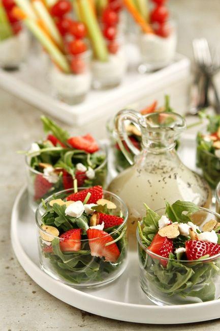 salada em copo baixo