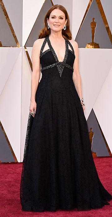 Julianne Moore chiquérrima vestindo Chanel