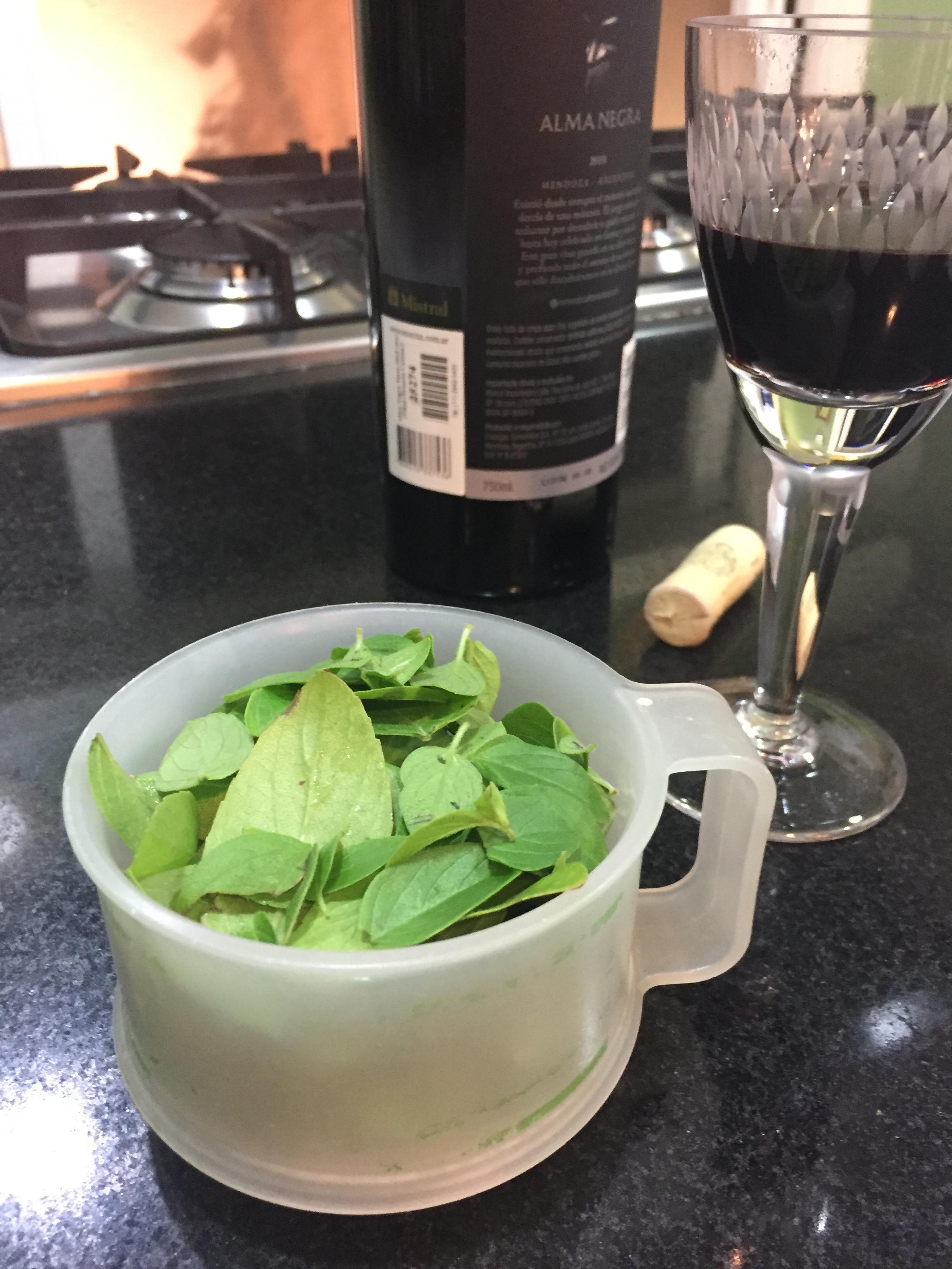 2 xícaras de majericão
