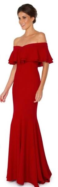 Vestido vermelho ombro a ombro